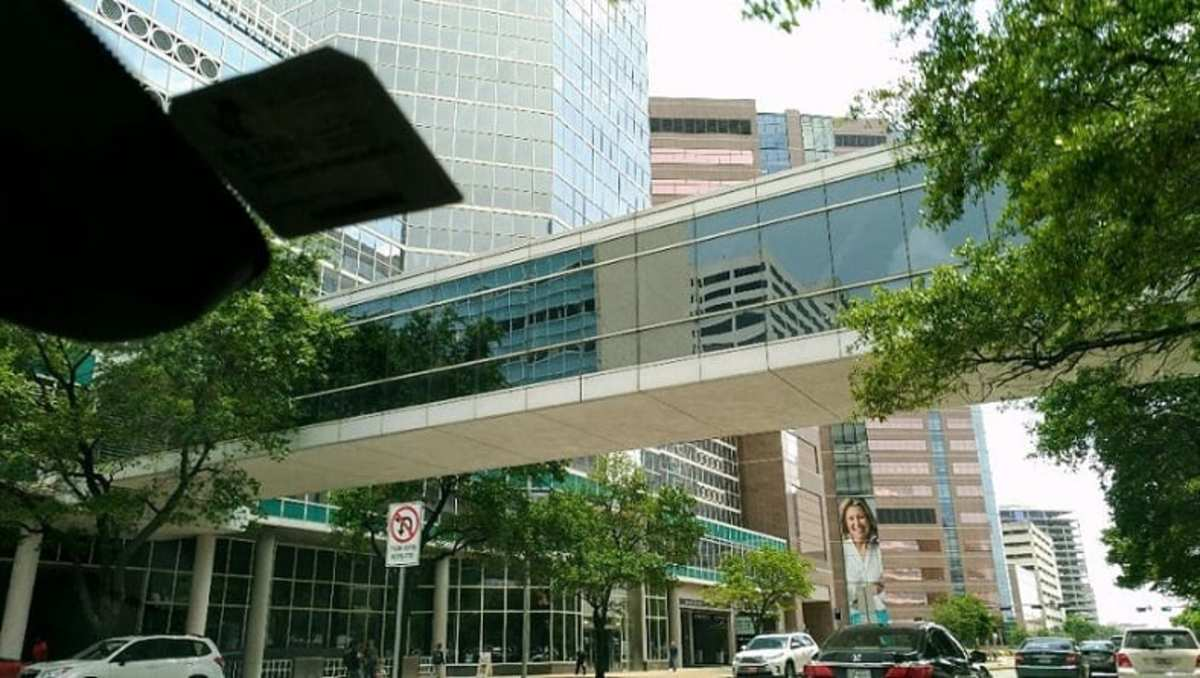 Walkways between buildings above the street in the Texas Medical Center