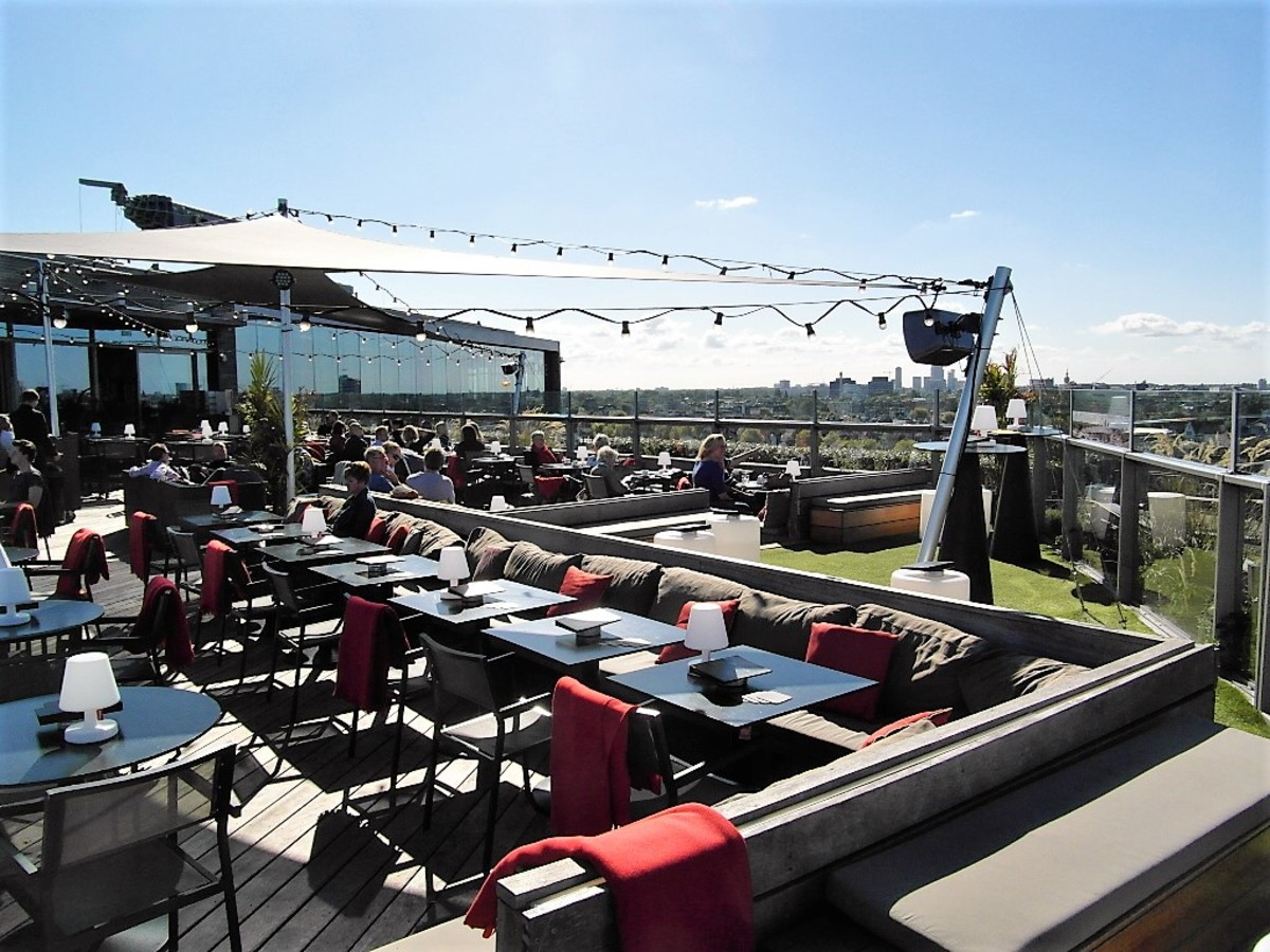 Skylounge, Doubletree Centraal, Amsterdam.