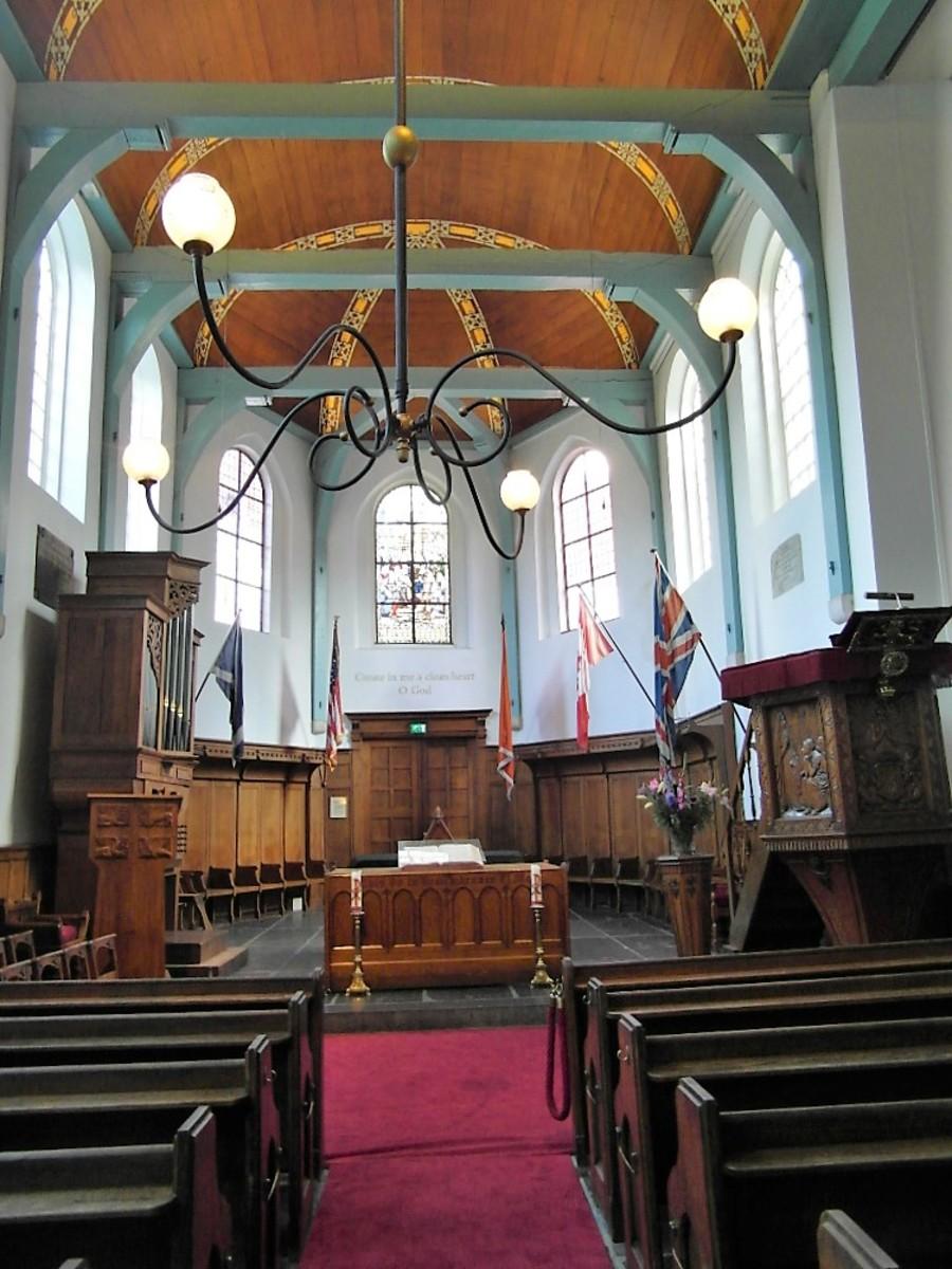 Inside Engelse Kerk, Begijnhof.