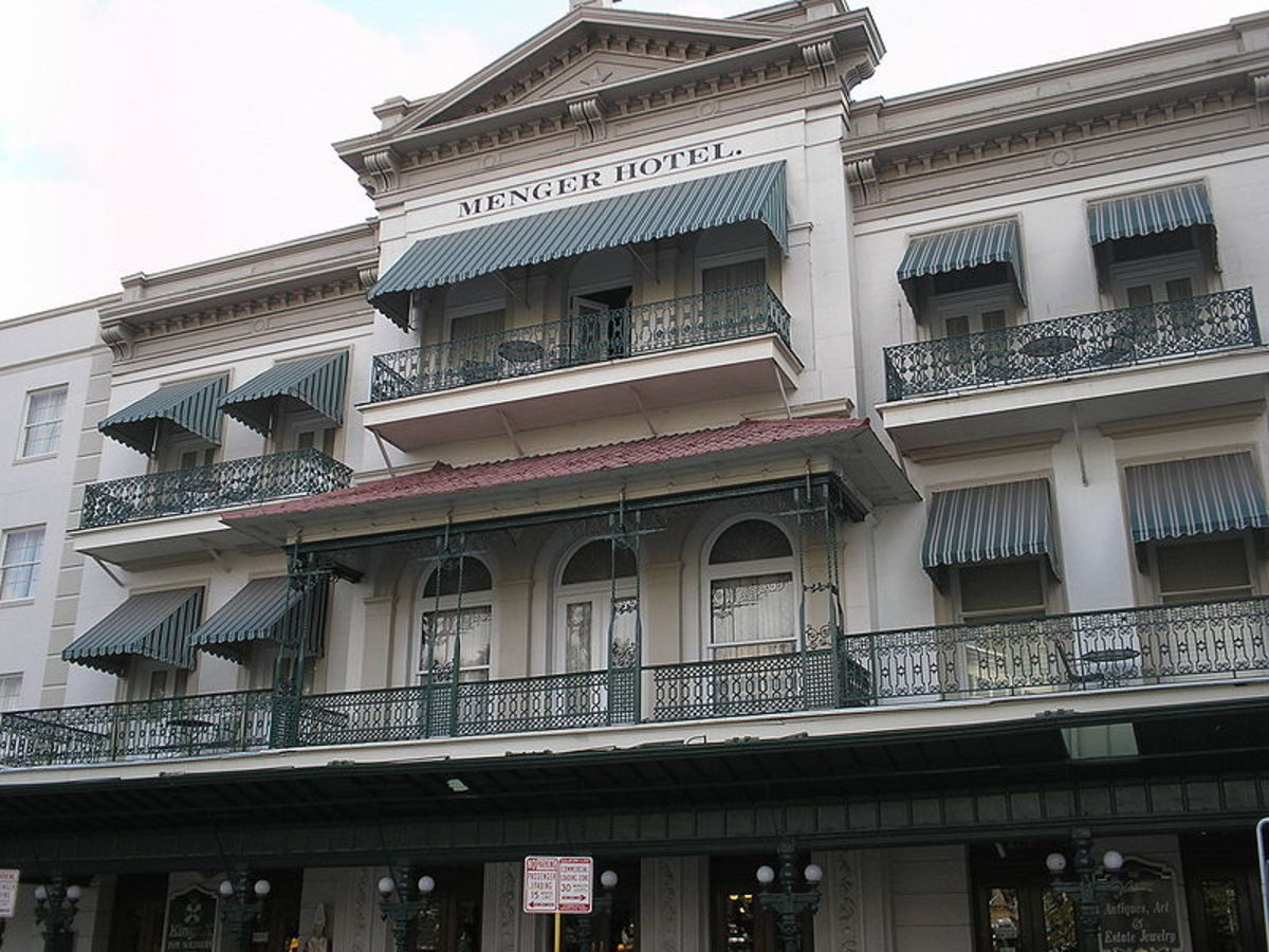 texas-haunted-hotels