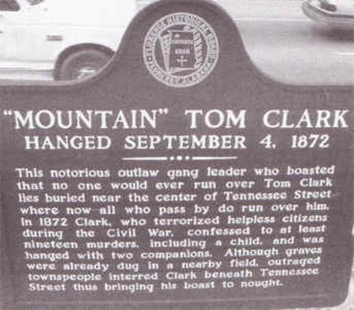 Mountain Tom Clark, Outlaw