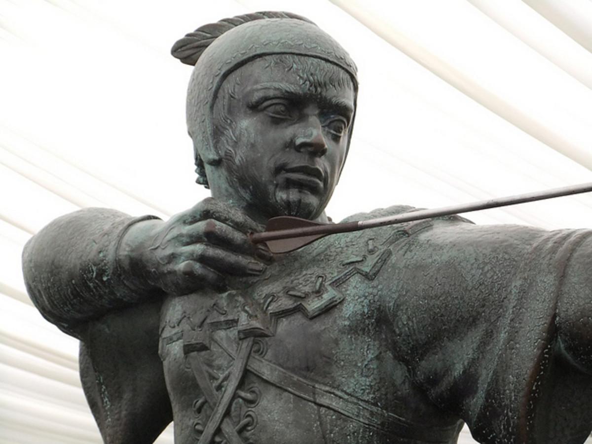 Robin Hood statue in Nottingham, England.