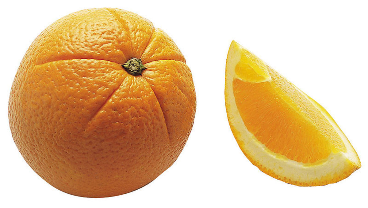 Eating an orange in a dream may mean the dreamer is taking in new ideas and giving themselves what they need for new growth.