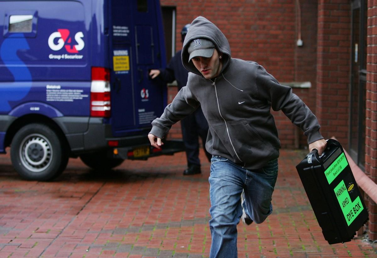 Thief Running jimjay.blogspot.com