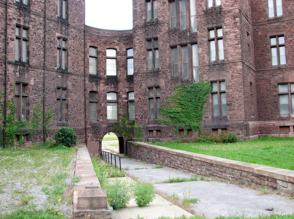 Now: Buffalo's Famous Insane Asylum, Abandoned