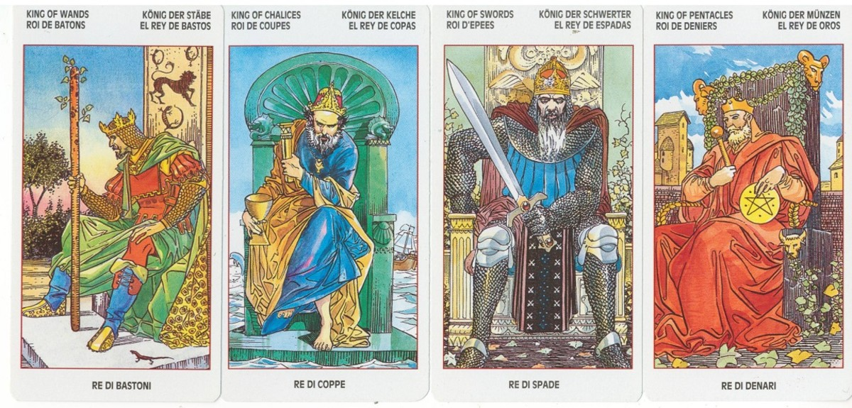 The Kings from the Universal Tarot by Lo Scarabeo.