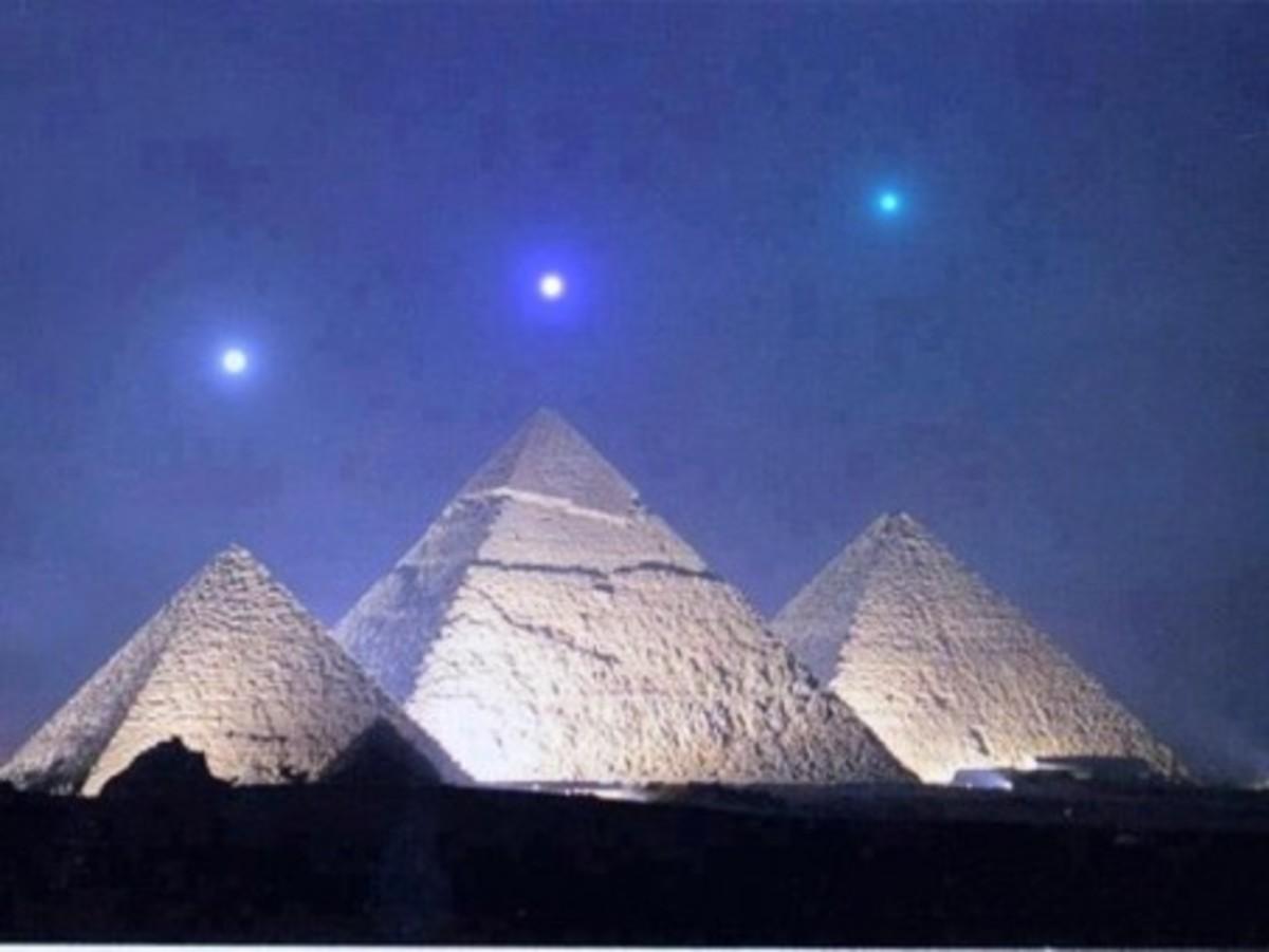 Giza pyramids mirror the three stars on the Orion's Belt.