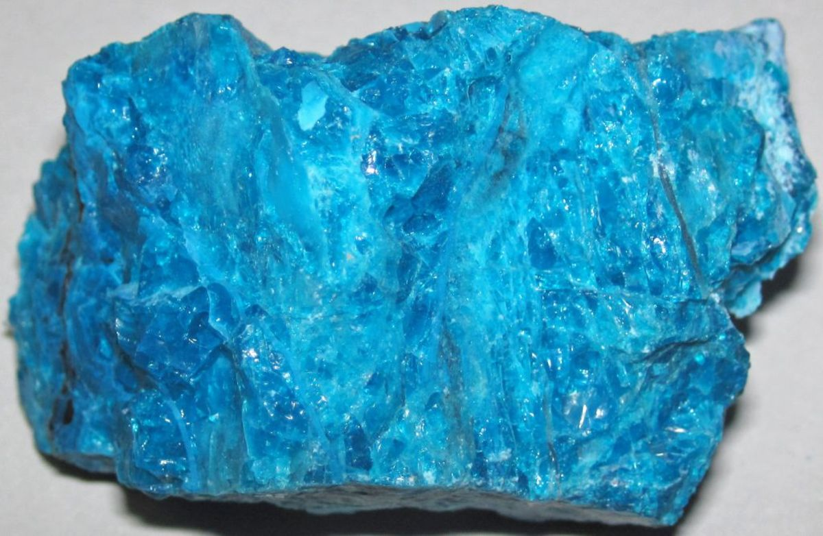 Chrysocolla aids in cutting negative ties to others.
