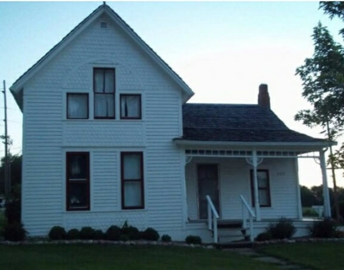 Front view of the Villisca Ax Murder House.