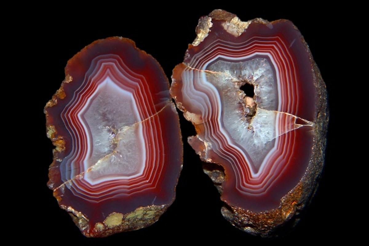 Agate stone. Photo by Lech Darski.