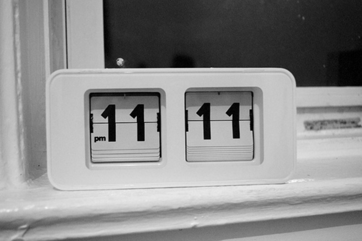 Number 11: Significance of 11:11 phenomenon and numerology crystal connection