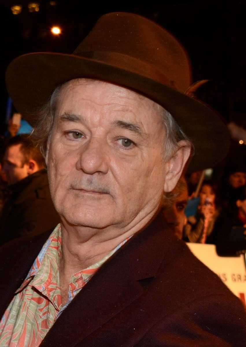 Bill Murray doesn't want a wife or girlfriend. If he had a lady in his life, he'd probably be better dressed.