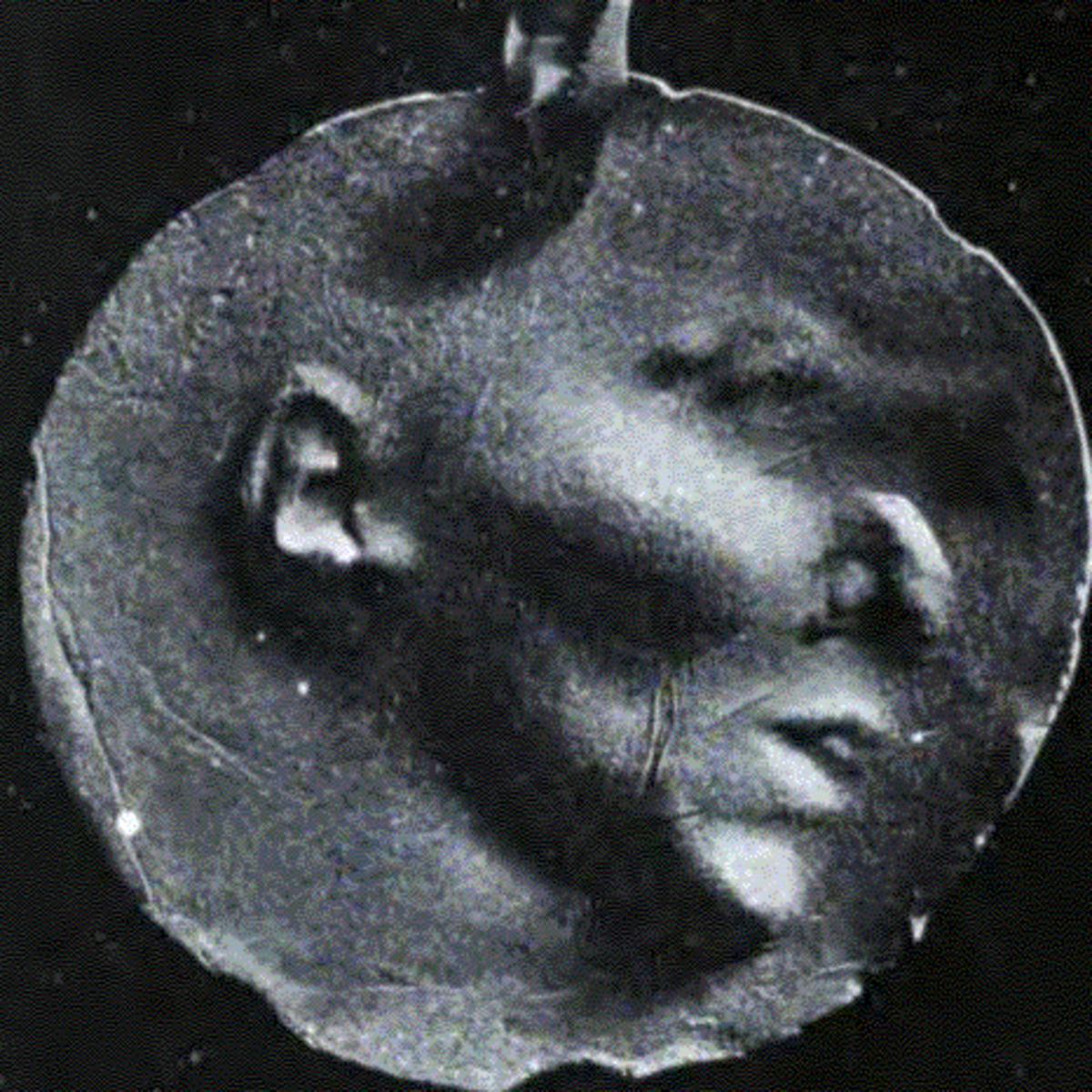 Imprint of a 'spiritic face'