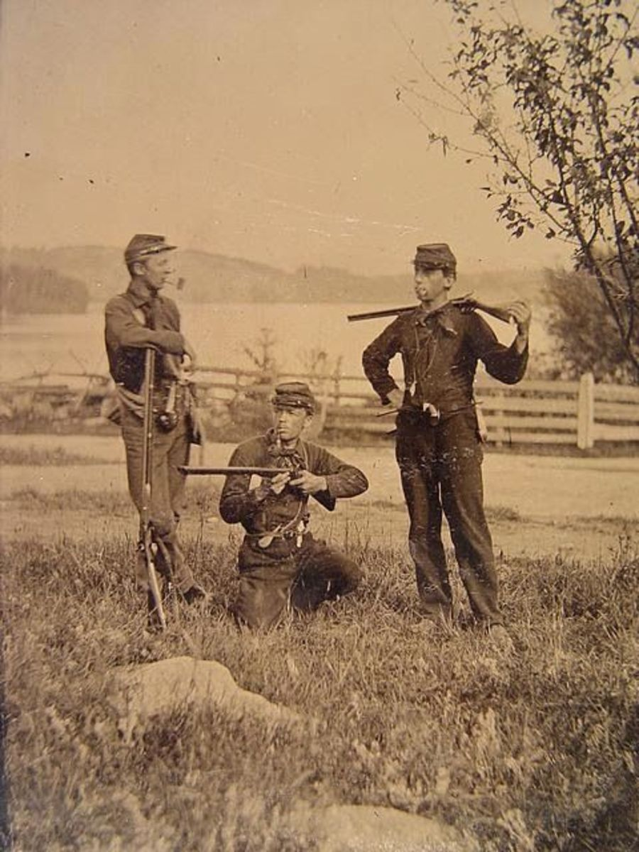 Pipe smoking was a favorite pastime during the Civil War.