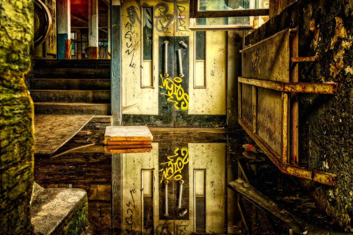 the-symbolism-of-elevators-in-dreams