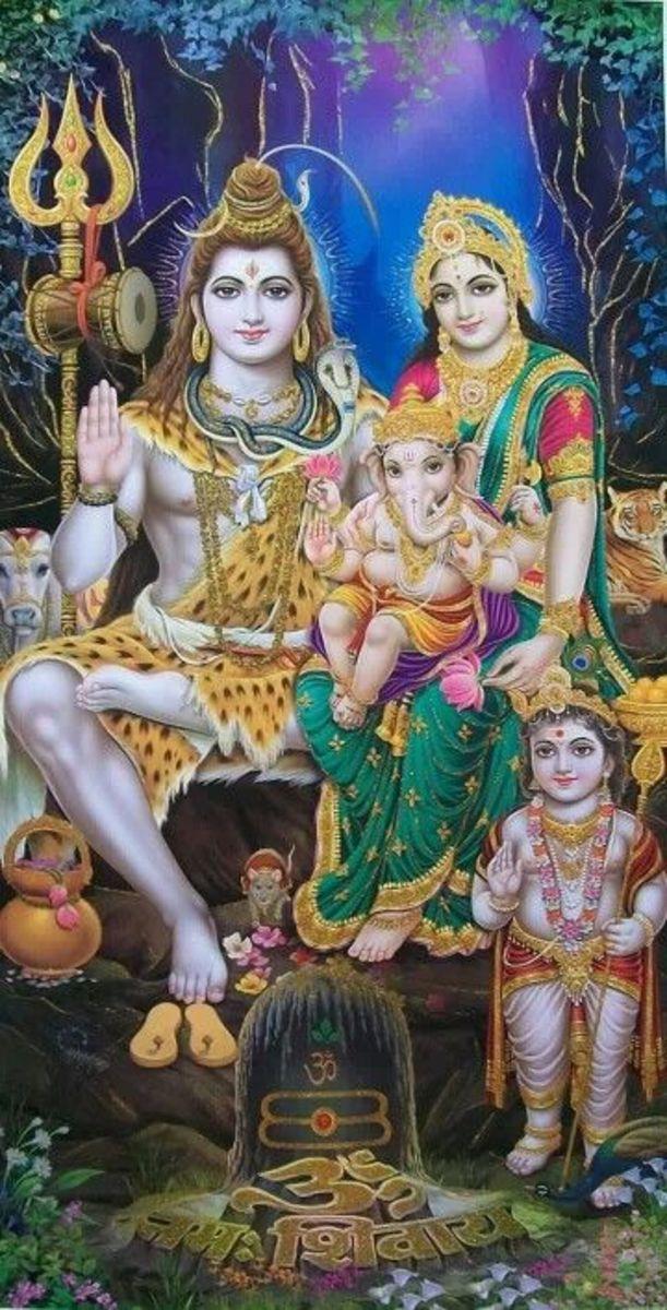 Lord Shiva and Shakti Parvati with their children Lord Ganesha and Kartikeya