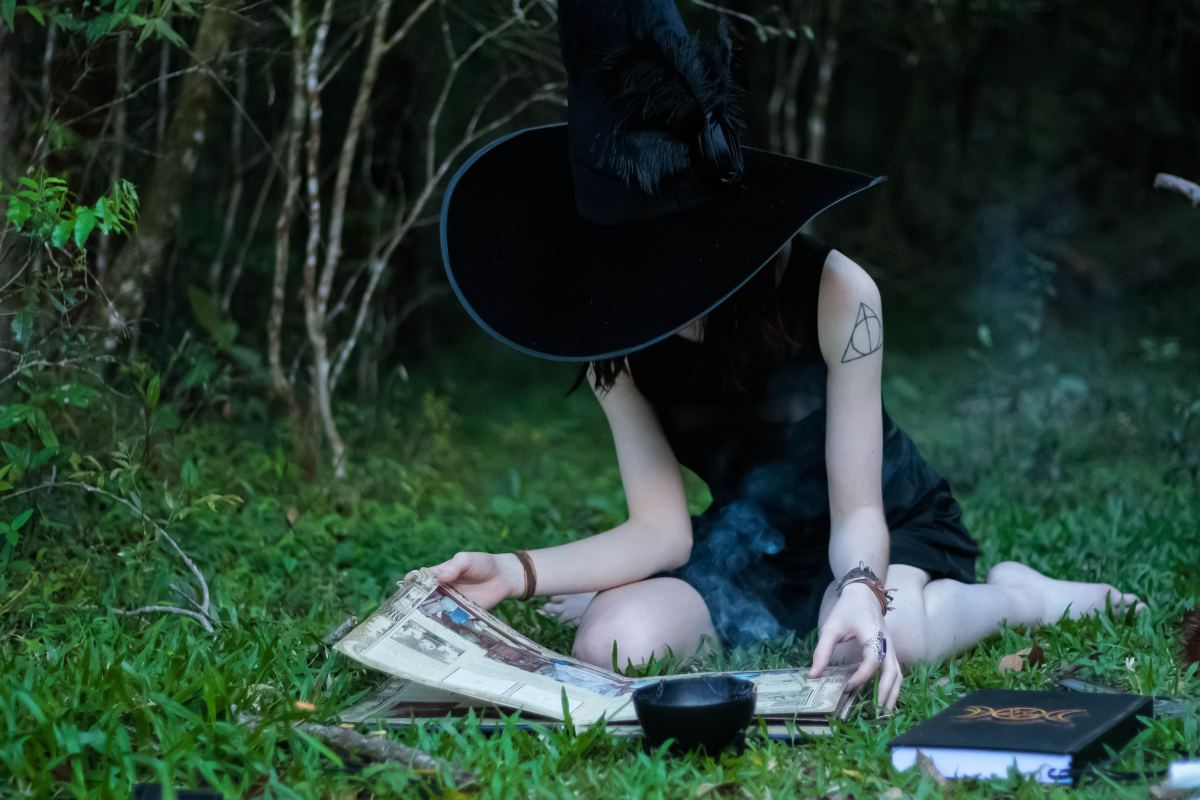how-to-be-a-witch-resources-to-get-you-started-on-the-witchcraft-path
