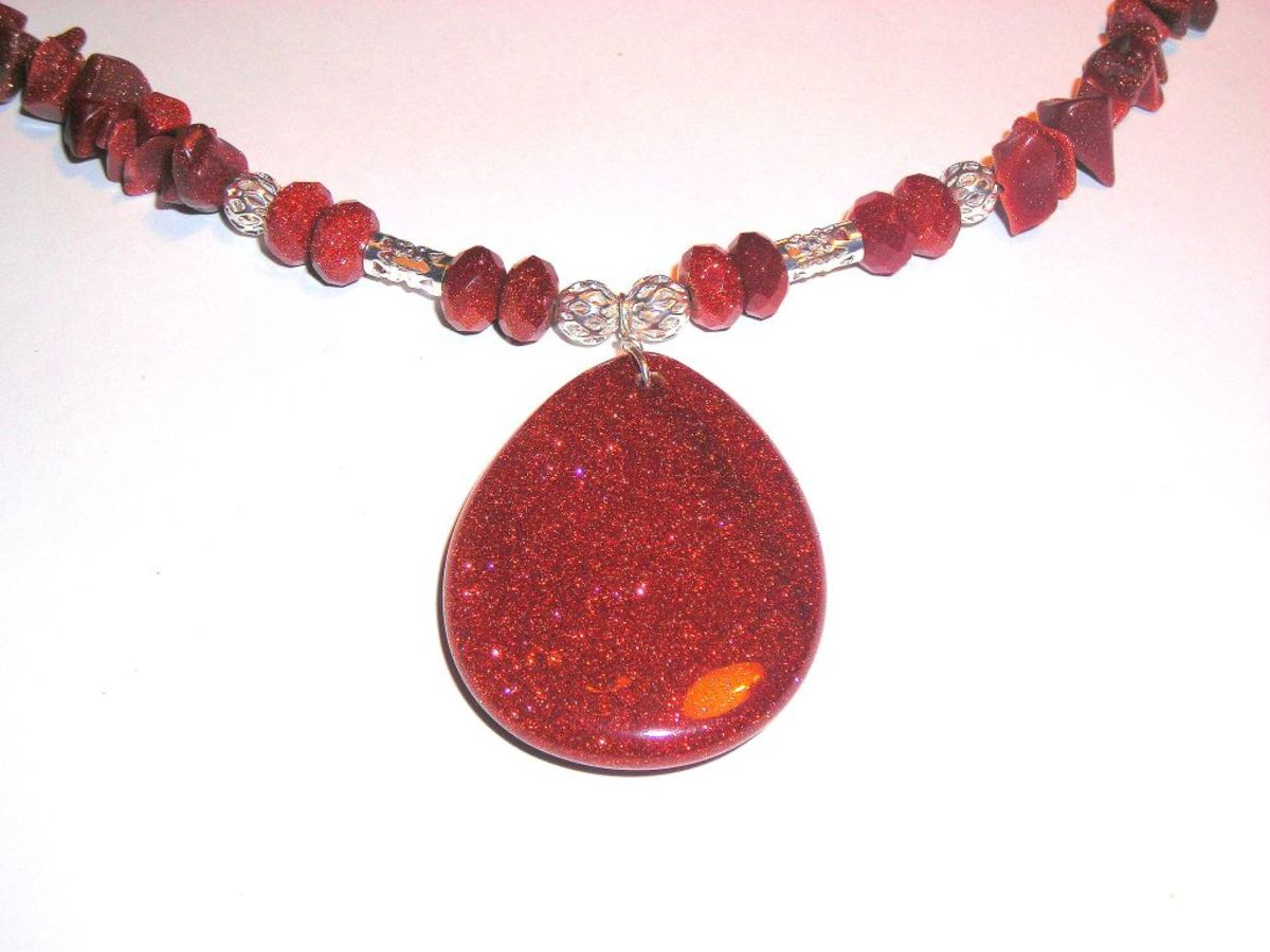The copper inclusions in goldstone give it many beneficial properties.