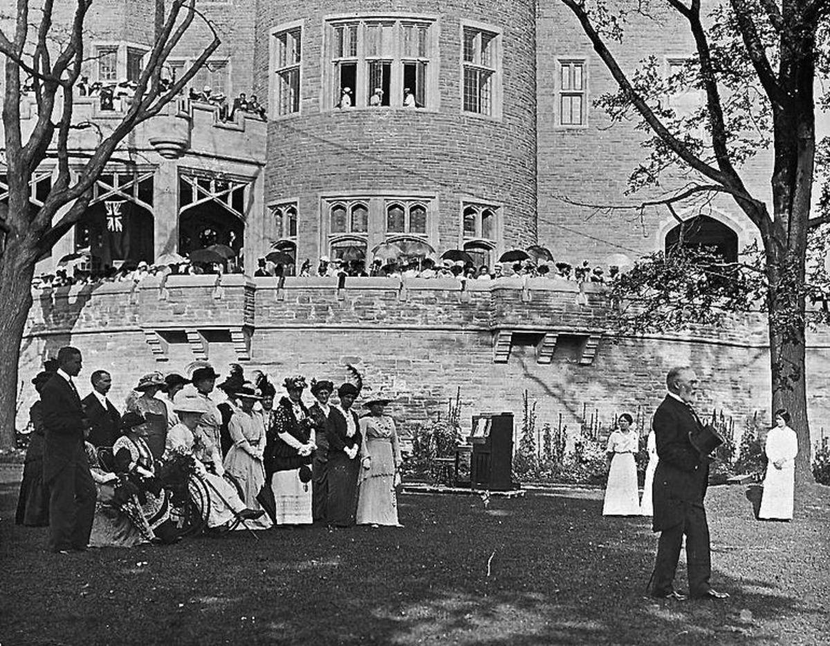 Casa Loma garden party in 1914.