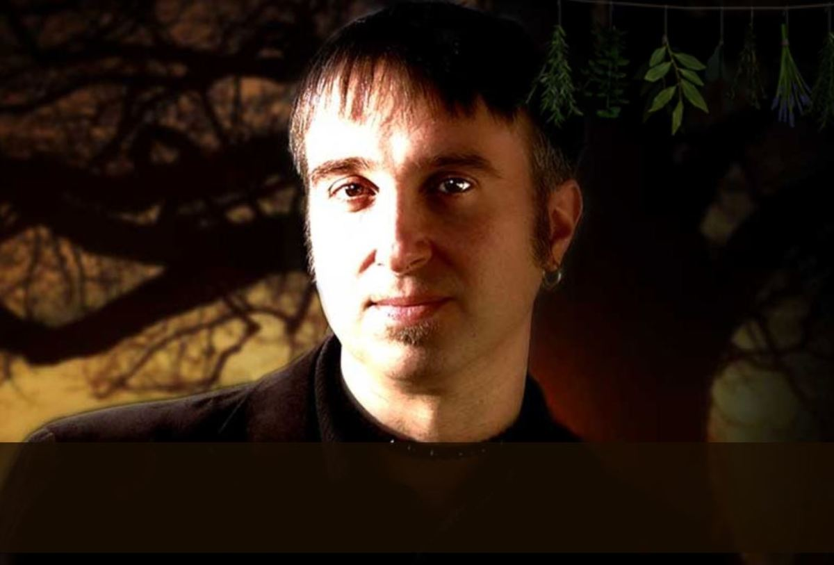 Christopher Penczak is a real live practicing witch. Check out his website and books.