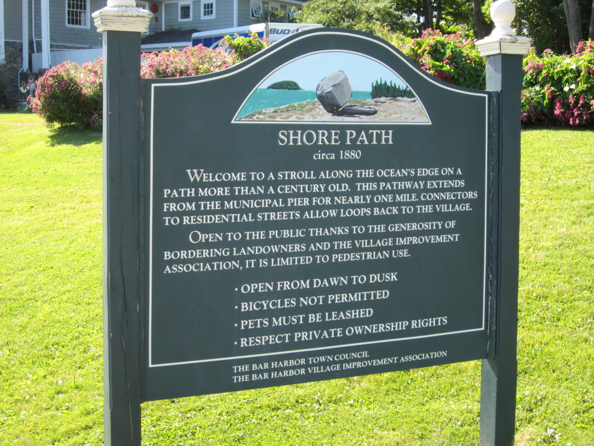 Shore Path sign