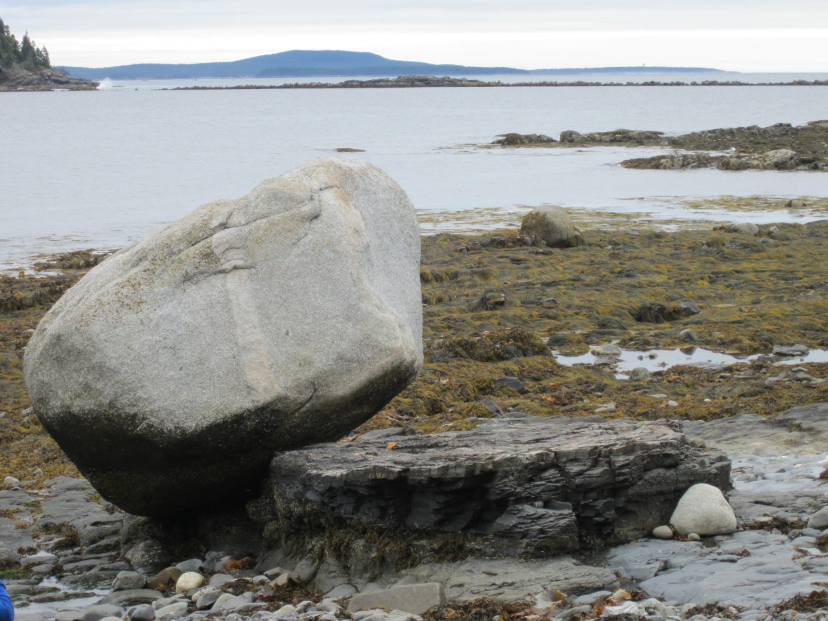 Balance Rock, low tide,  looking out to the islands.