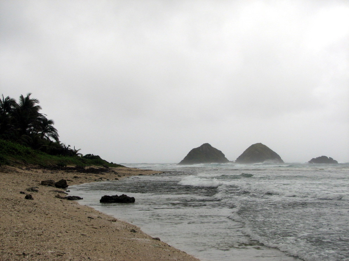 Dos Hermanos Islands and the beach of Pagudpud