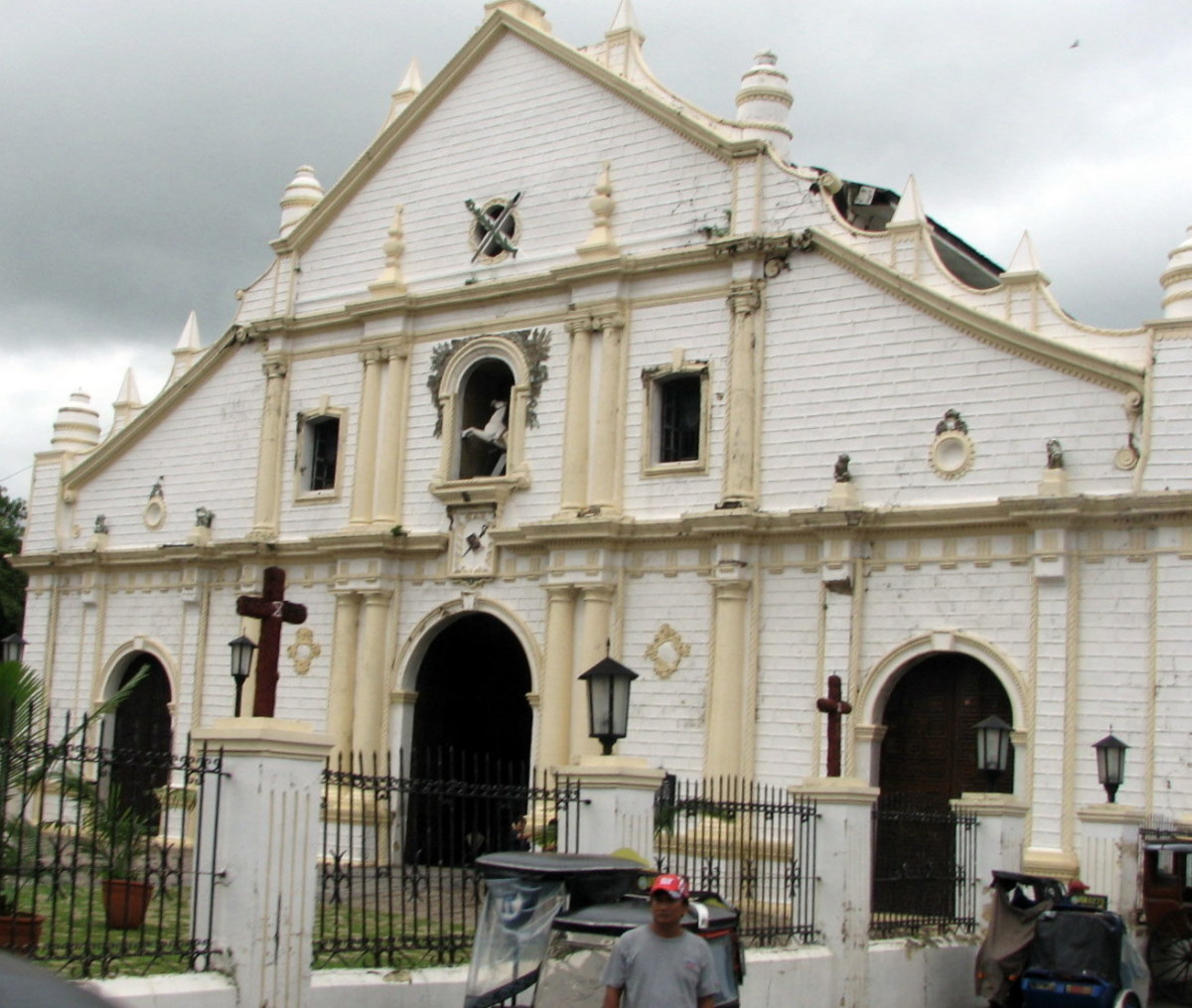 Cathedral of Vigan taken from the horse-drawn carriage