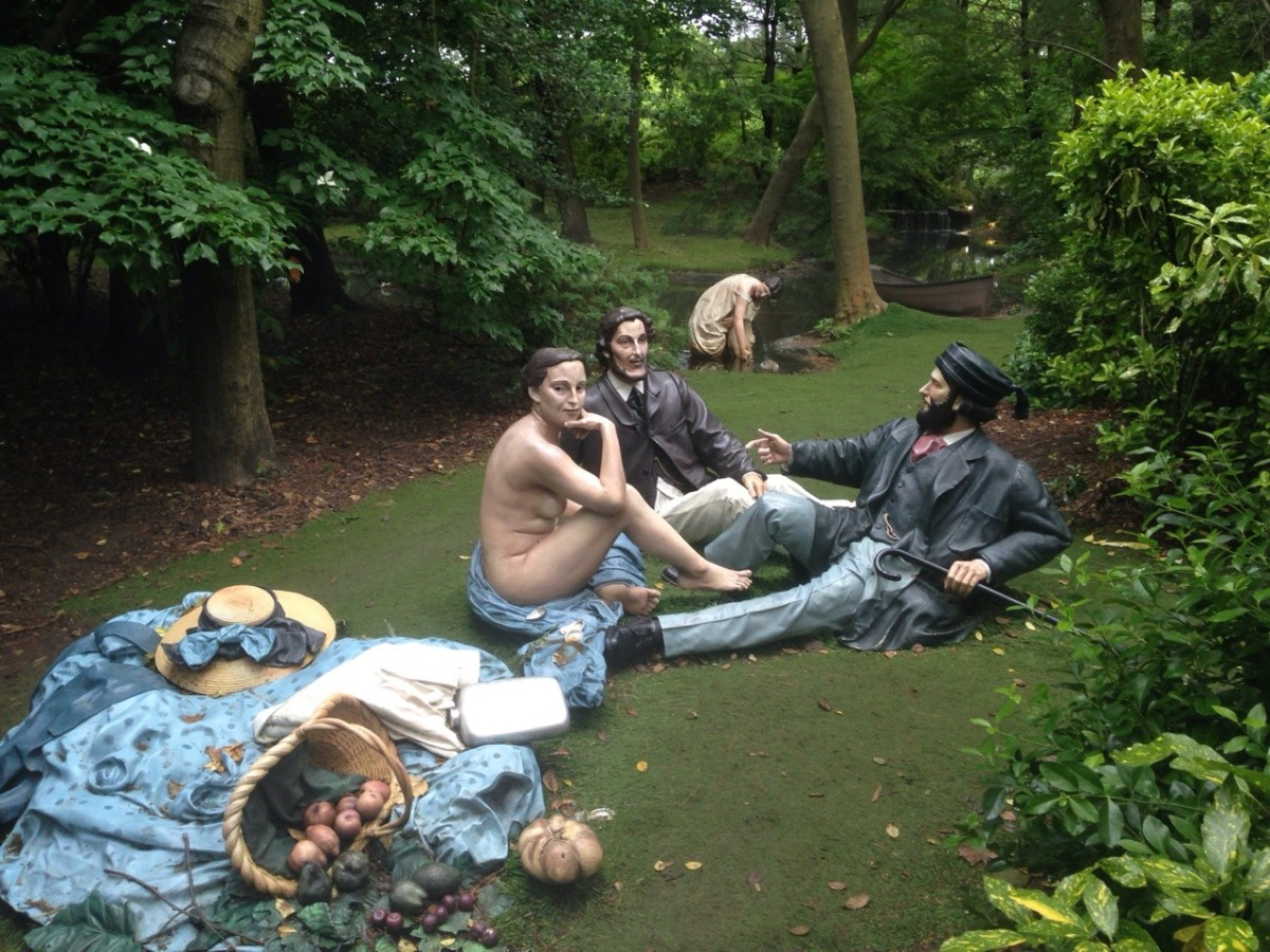"Seward Johnson's 'Dejeneur Deja Vu' inspired by Edouard Manet's ""Le Dejeuner sur l'herbe""  on show at Grounds for Sculpture, Hamiton NJ"