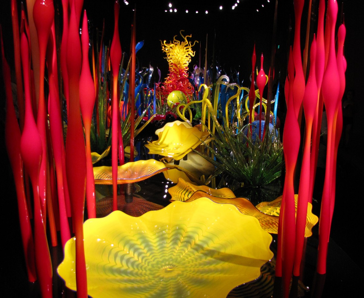 visiting-the-chihuly-garden-and-glass-at-the-seattle-center