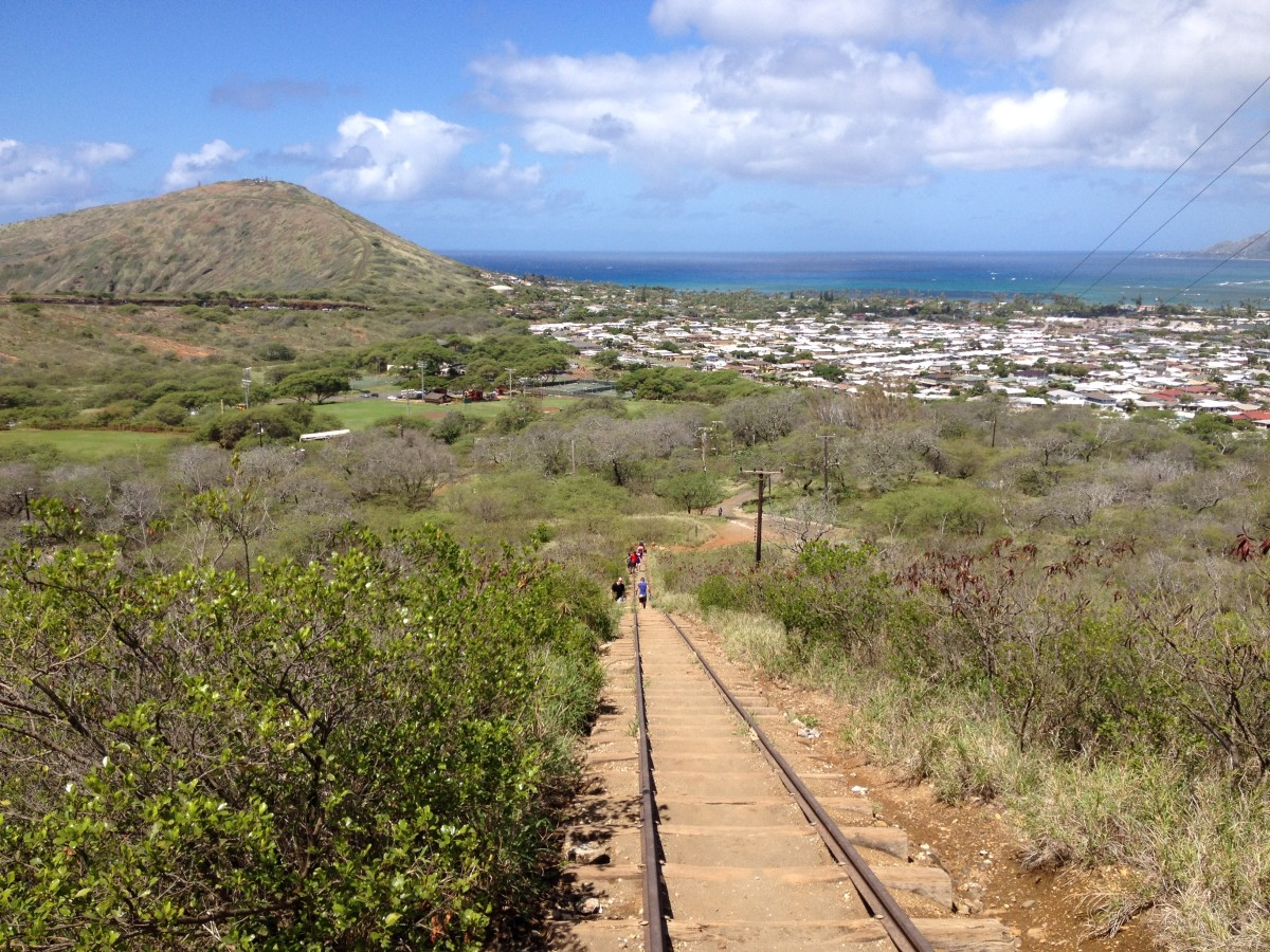 my-trek-with-friends-up-the-steep-climb-at-the-koko-crater-railway-trail