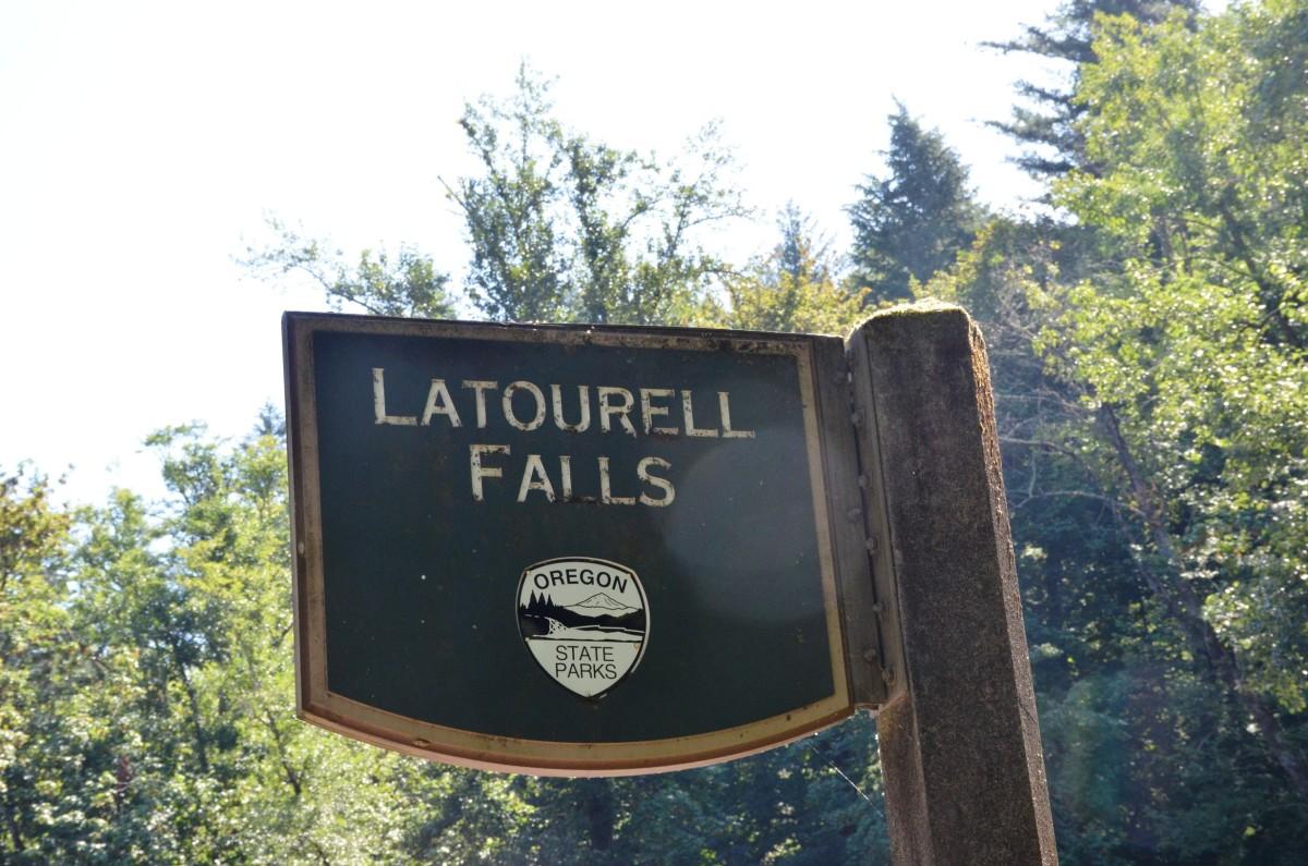 Latourell Falls sign