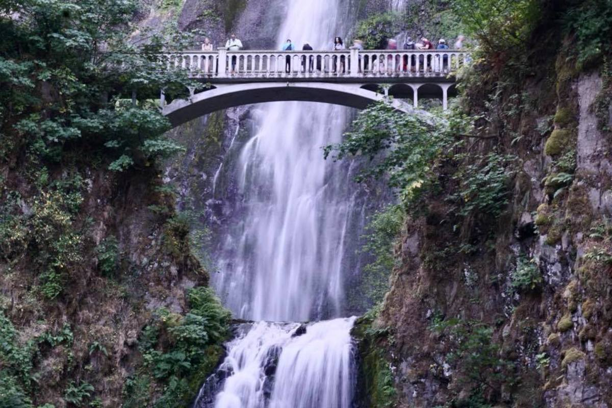 Observation bridge @ Multnomah Falls