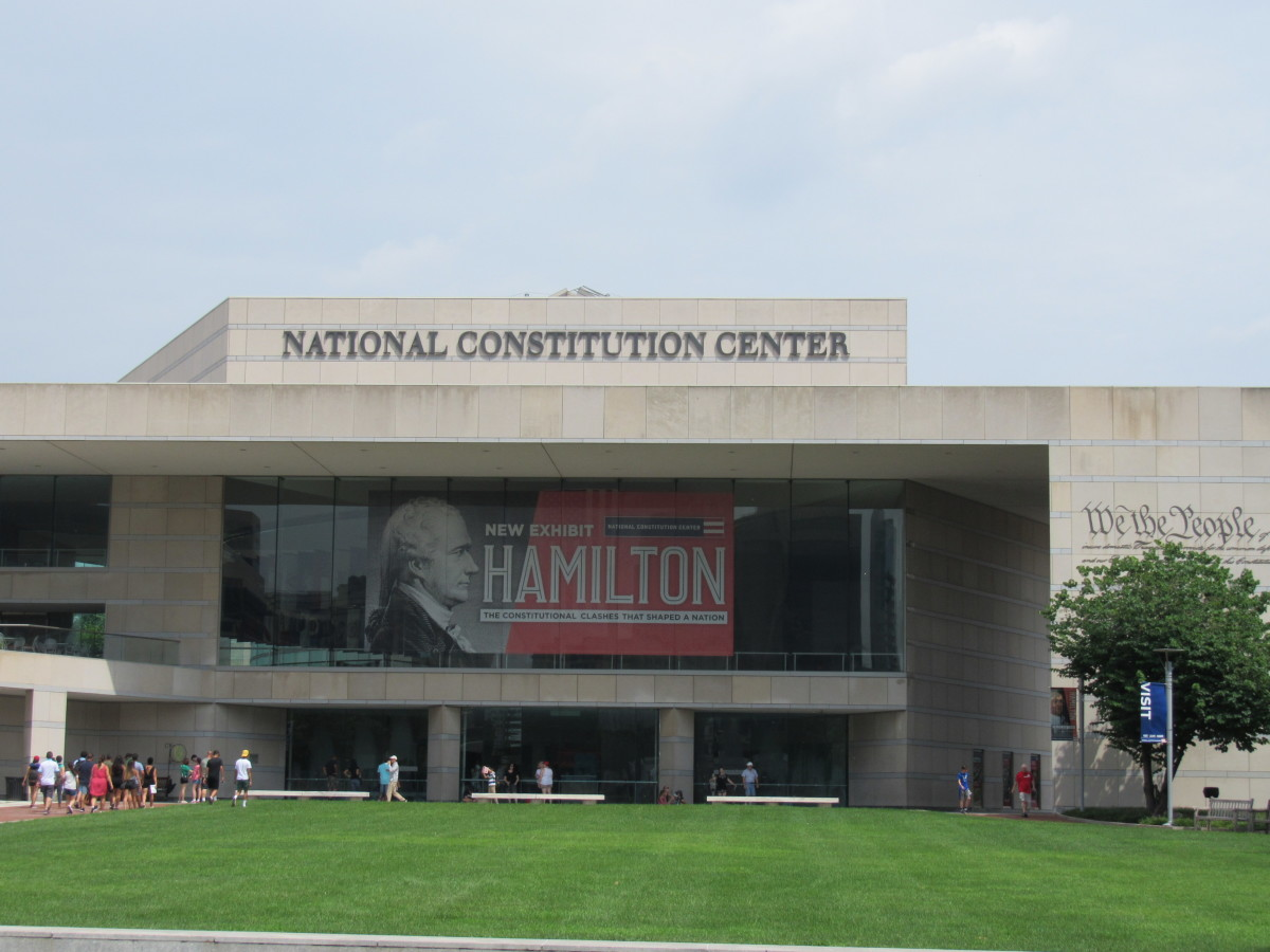 The National Constitution Center (looking north from Arch Street, Aug. 2018).