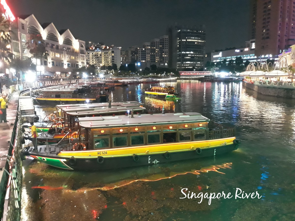 River taxis on the Singapore River waiting for passengers.