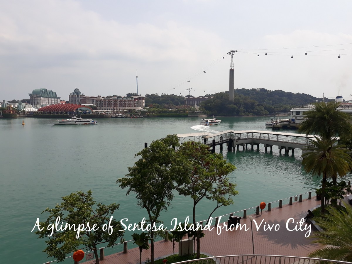 Vivo City is like a gateway to Sentosa.