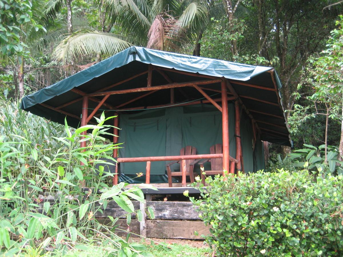 A platform tent at La Leona Eco-Lodge and Tent Camp