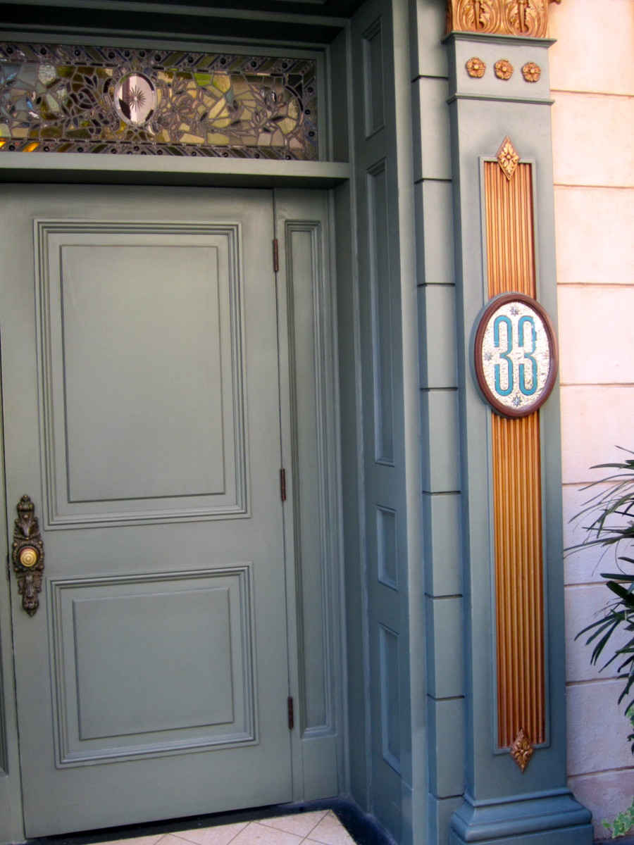 The door to Club 33.