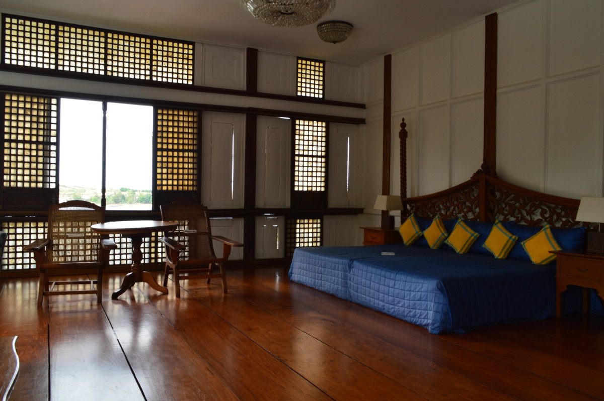 The master's bedroom of former President Macos