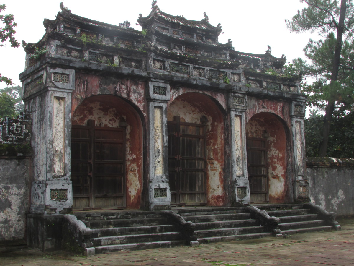 Tombs of Tu Doc