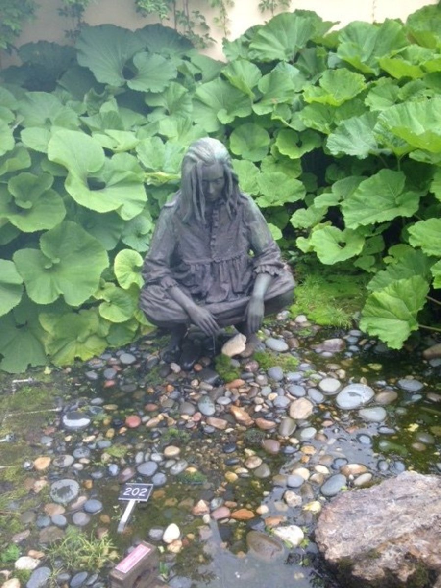 A sculpture in the Water Gardens.