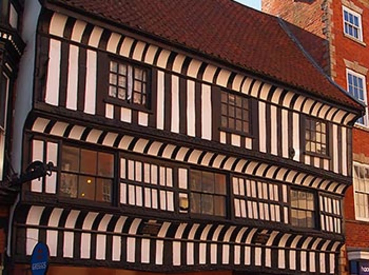 The Governors' House. A 15th century half timbered building in Newark Market Place During the Civil War it was occupied by successive Governors of the town. KIng Charles I and Prince Rupert are said to have argued here over battle plans.