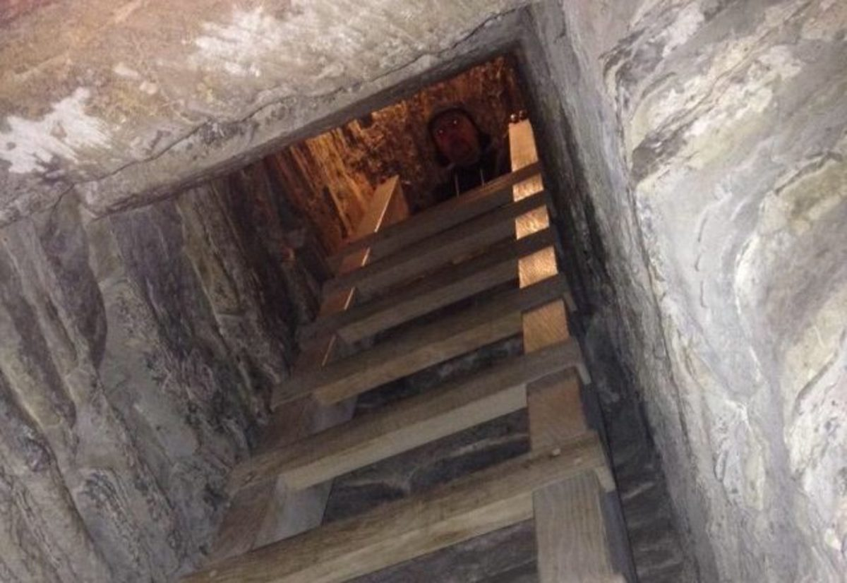 The bottleneck dungeon is one of only two surviving dungeons of this type.The ladder is a recent installation. Prisoners would simply be hurled down the vertical drop. If the fall didn't kill them they were simply left to starve to death.