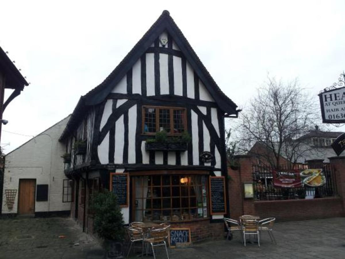 The old bakery tea rooms.Take a break for coffee, a light lunch, or afternoon tea with delicious homemade cakes.