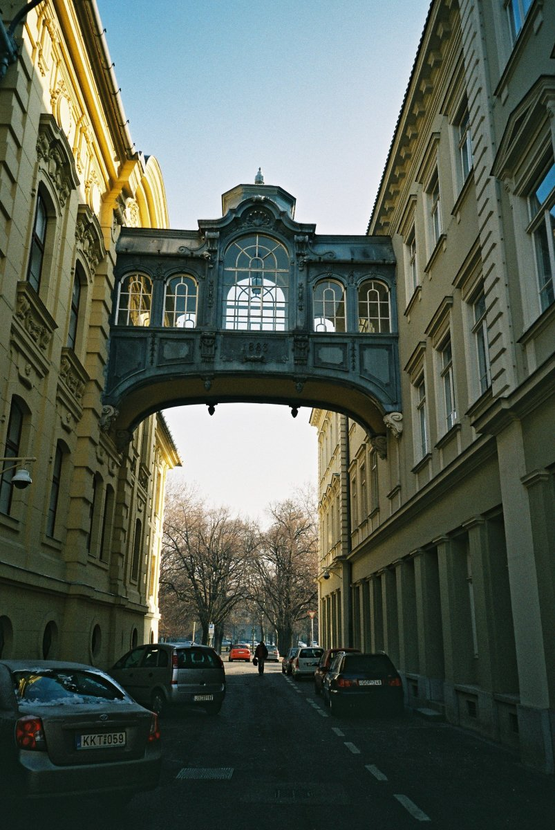 Mini Bridge of Sighs in Széchenyi Square