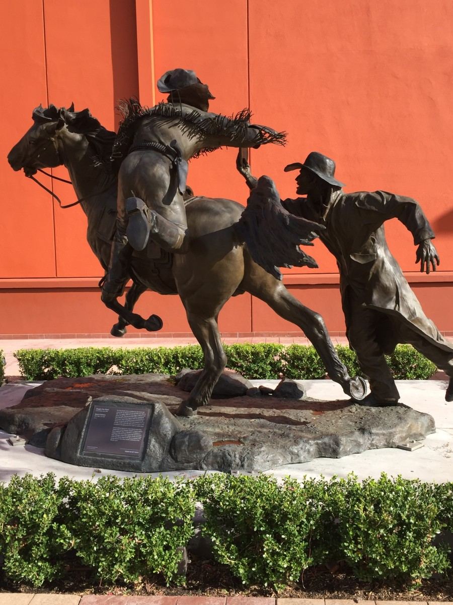 """Special Delivery"" by Douglas Van Howd, statue depicting the Pony Express ride carrying the news of Abraham Lincoln's election"
