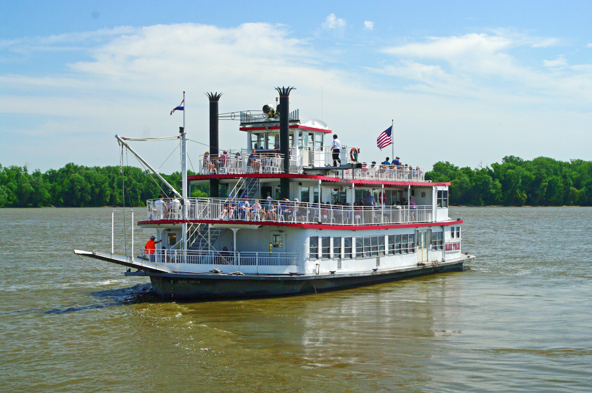 Hannibal Excursion Riverboat