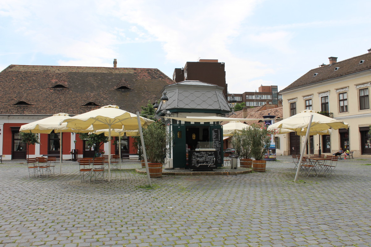 The Smallest Cafe in Budapest, Gazlampa Kioszk