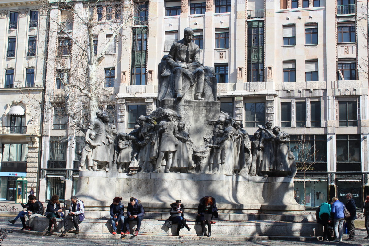 Vörösmarty Square, Budapest—A Popular Meeting Place Among Locals