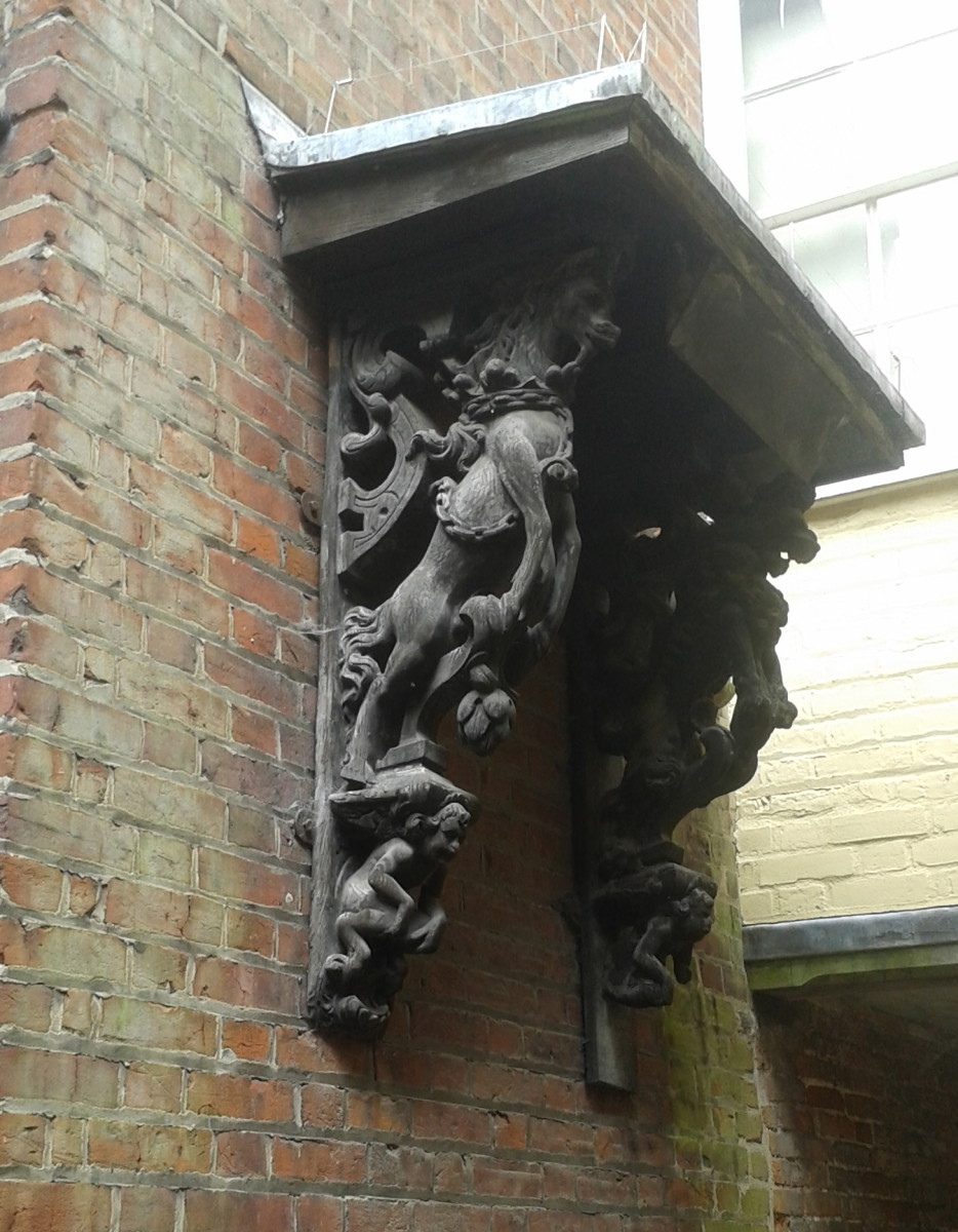 Decorative Lintel Support